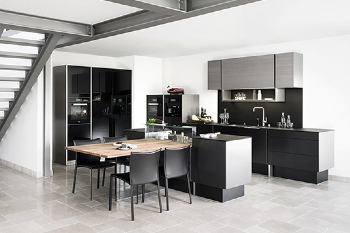 "Best design kitchen of the year at the ""Plus X Award"" for P'7350 Design, Porsche Design Studio latest for Poggenpohl"