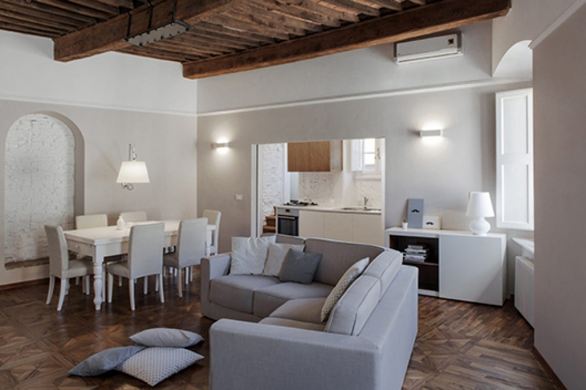 Apartament in Tuscany designed by Studiòvo. A mixture of reminiscences of the past with very contemporary trends