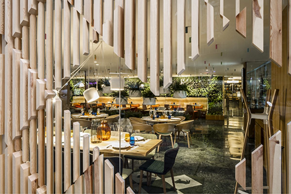 Colors and nature, protagonists of new Poncelet Cheese Bar Barcelona, designed by estudiHac