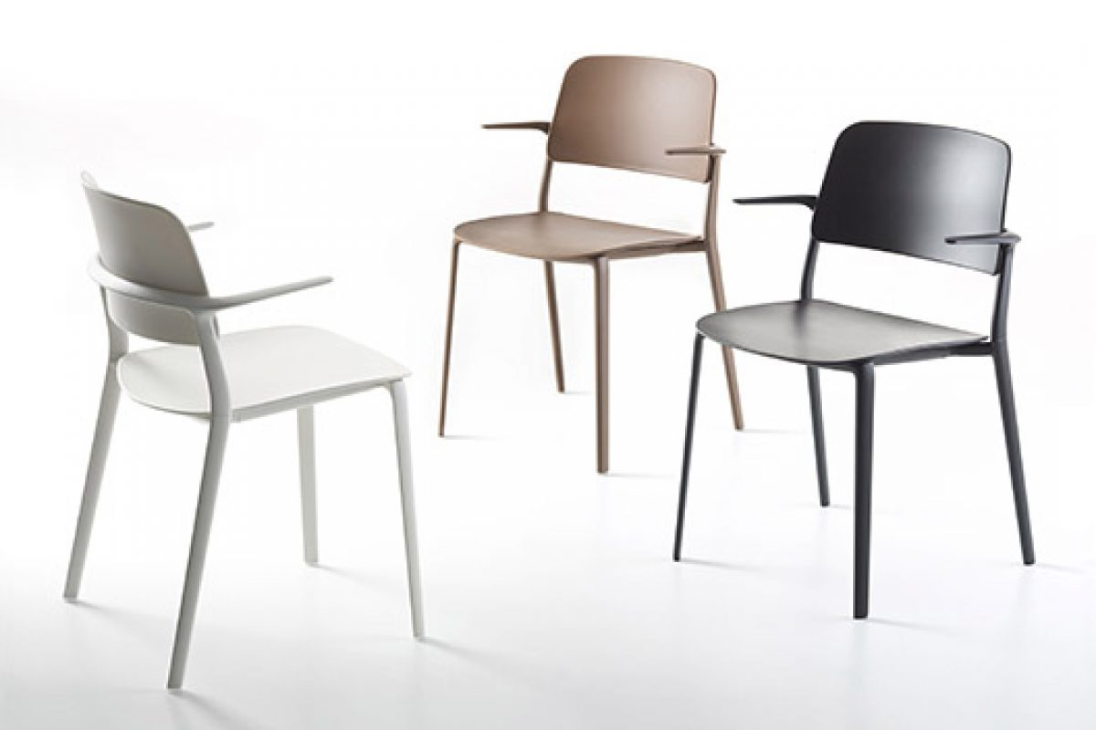Appia seating collection designed by Christoph Jenni for MaxDesign. Innovating with aluminum