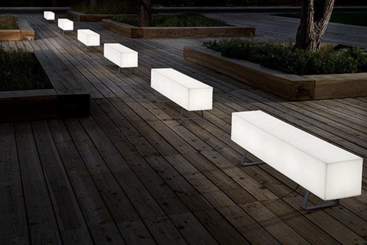 Modo Luce presents Futura I, versatile outdoor lighted benches