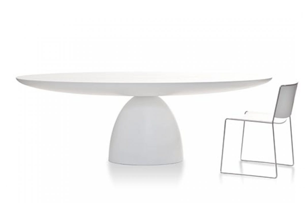 iSaloni 2015 preview: sculptural dining table Ellipse designed by Studio Front for Porro