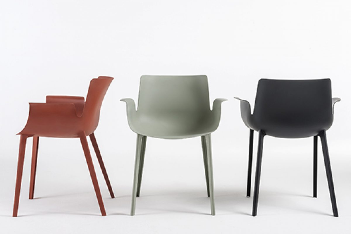 Piero Lissoni designed the Piuma seat, one of the most revolutionary and enterprising products for Kartell