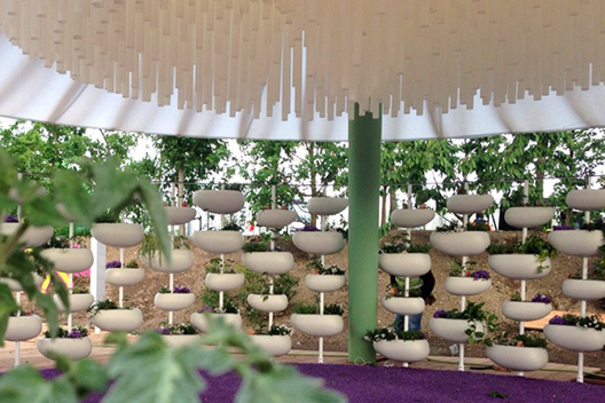 Serralunga designs Green Pills in the Children Park at Expo 2015 Milano, an installation by ZPZ Partners