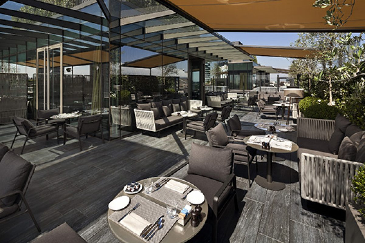 Elegant terraces and outdoor spaces in the Hotel ME Milan Il Duca furnished by Kettal