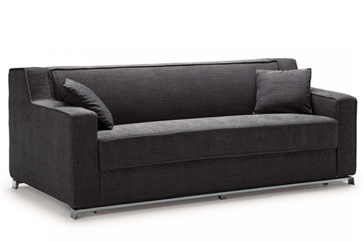 Essential and contemporary line in the Larry sofa bed, designed by Alessandro Elli for Milano Bedding