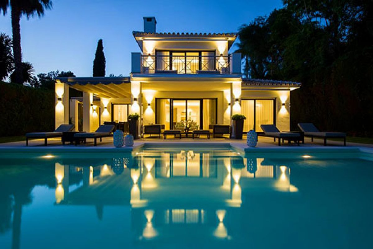 Blackshaw Interior Design chooses the Beauval collection by Keraben for the outdoors of this house in Marbella
