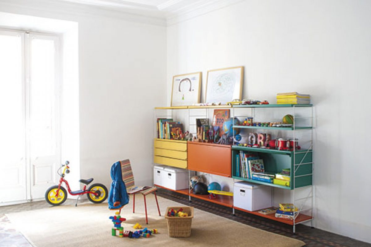 Successful shelving Tria by Mobles 114 now with a colorful vision for younger audiences