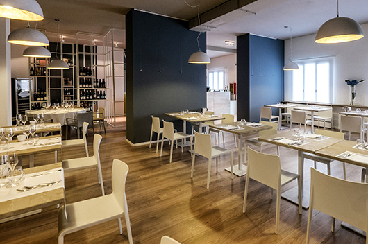 Pedrali Furnished Ingalera The First Restaurant Inside An