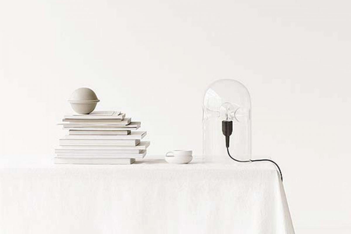 Tripod, the sensual table lamp designed by Gijs Bakker in 1978 and now produced by Lyngby Porcelean