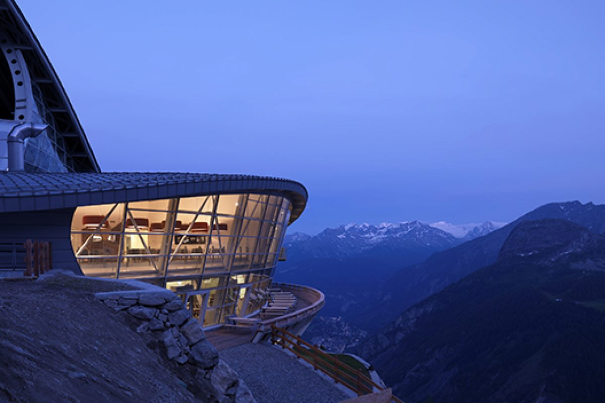 A step away from heaven. Pedrali chairs furnish the stations of the Mont Blanc Skyway cableway