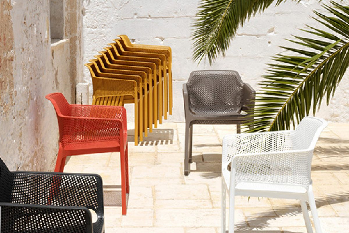Delightful, enveloping, contemporary… Net outdoor armchair, designed by Raffaello Galiotto Design for Nardi