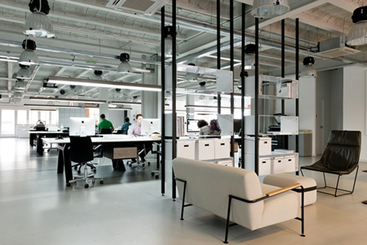 Viccarbe contributes to serious and convivial look of the new Compac offices