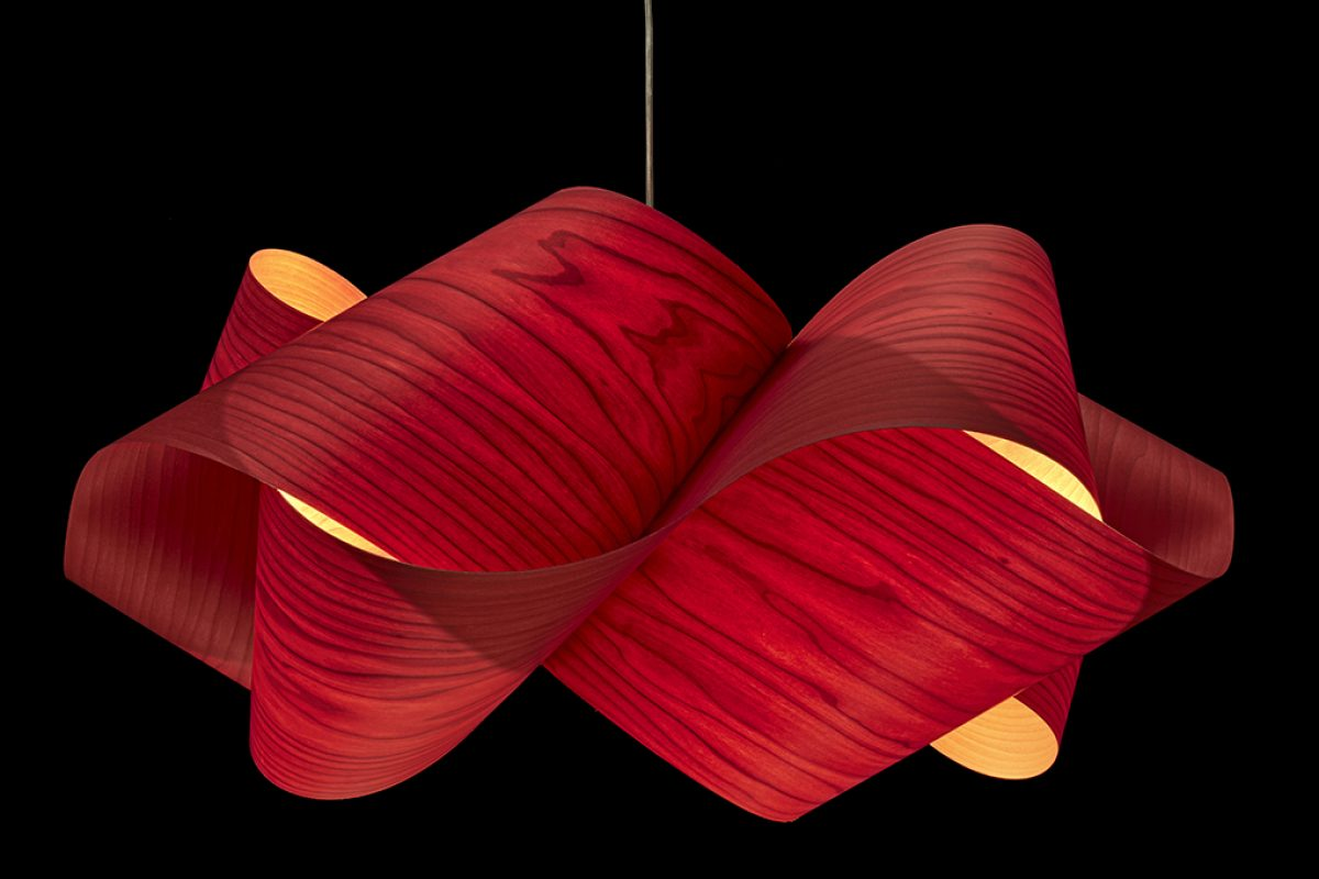 Elegant natural balance in the Swirl lamp by Ray Power for LZF
