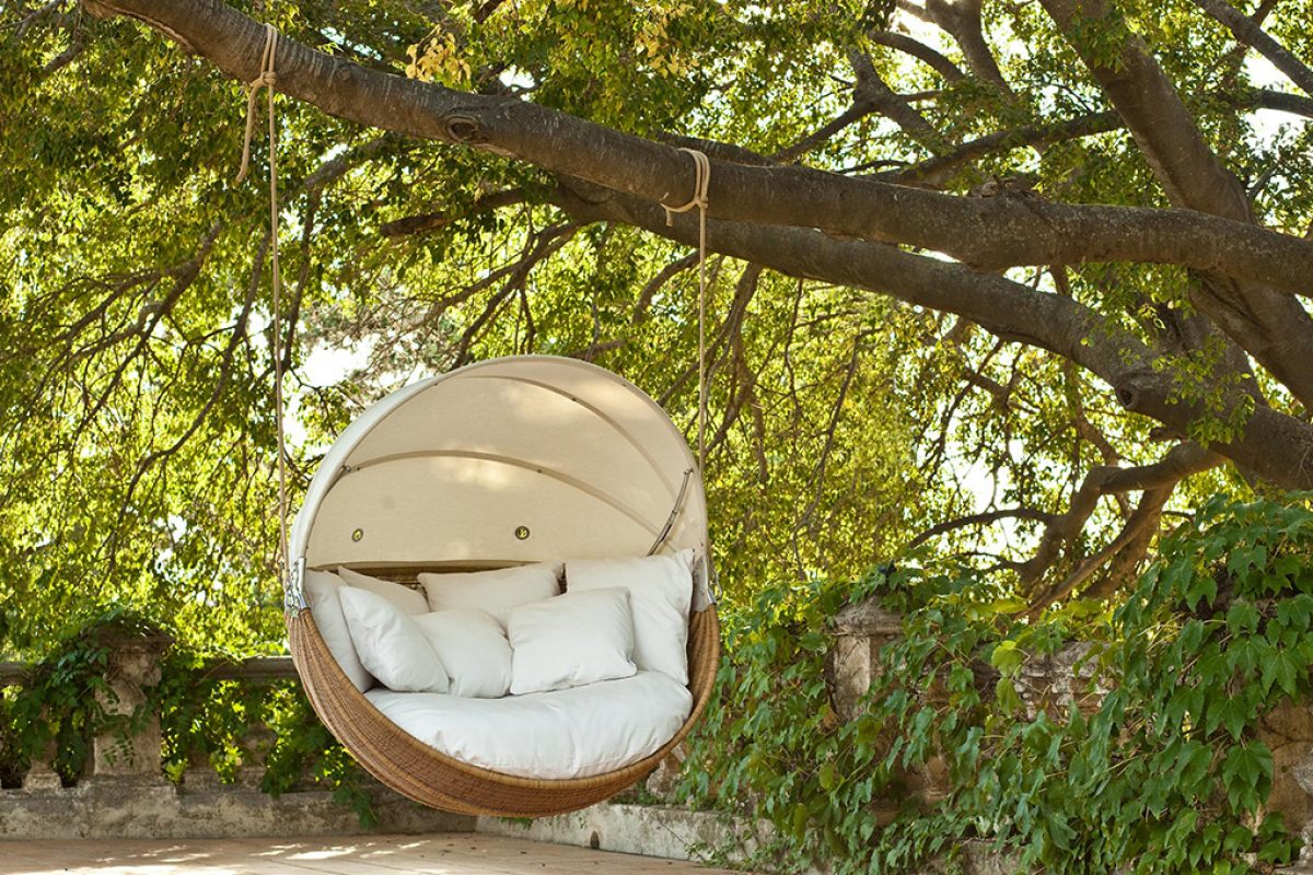 Point invites you to rest with Armadillo, designed by Joaquín Homs
