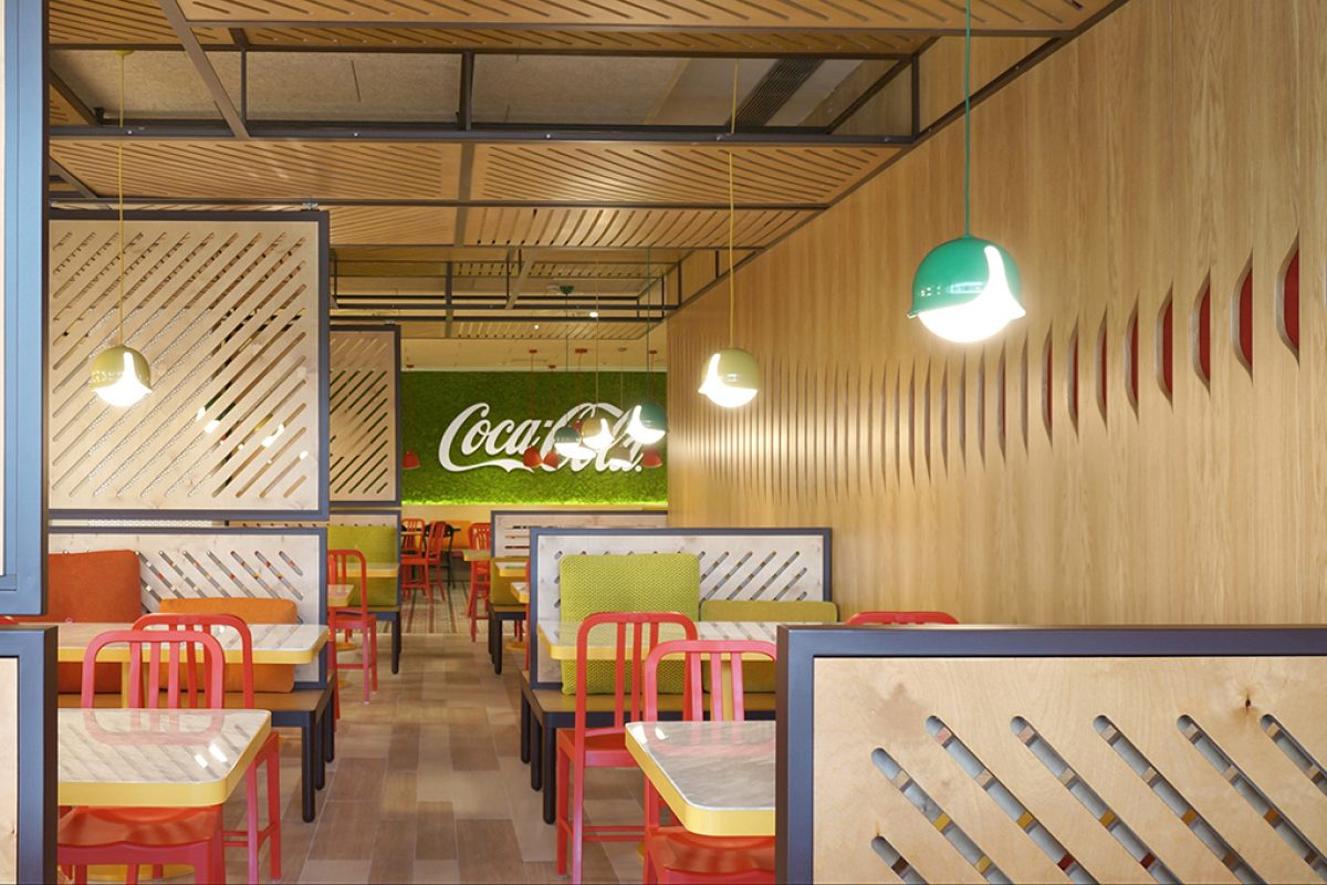 Stone Designs renovates the canteen of the Coca-Cola HQ in Spain