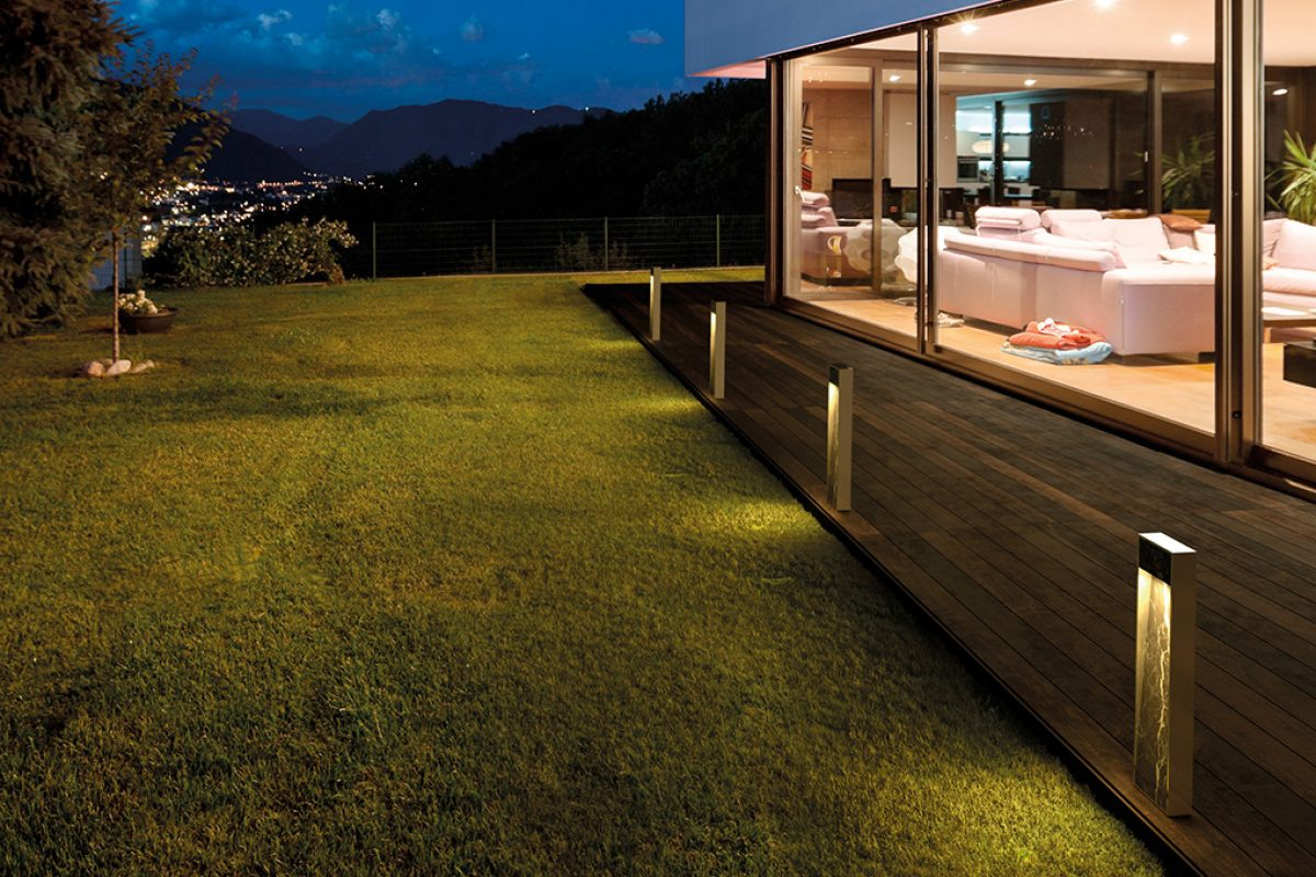 Zen by B.lux, an outdoor beacon lamp featuring LED technology for residential use designed by Martinez y Soler Arquitectura