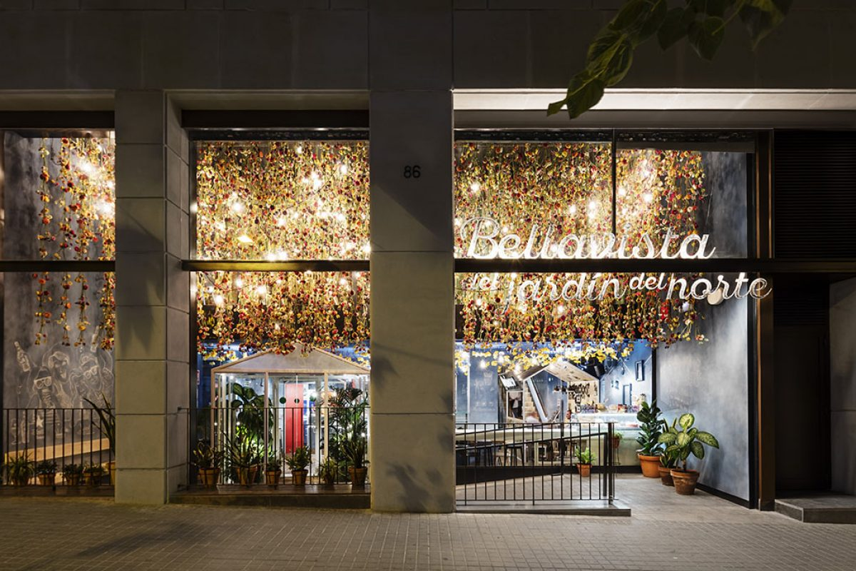 Award winning Studio El Equipo Creativo designed the Bellavista del Jardín del Norte Restaurant. The new adventure of Leo Messi and Iglesias Brothers
