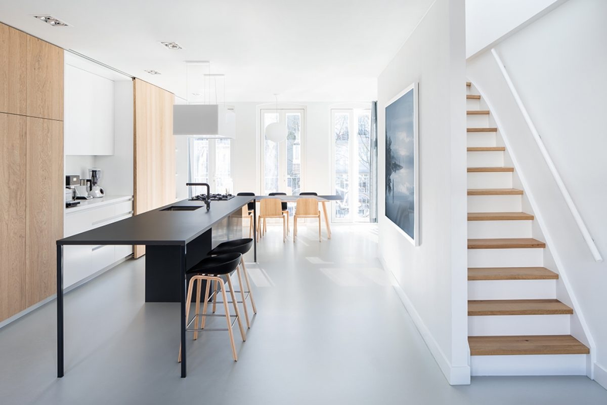 i29 renovates an apartment in Amsterdam looking for natural light. Use of interior design skills