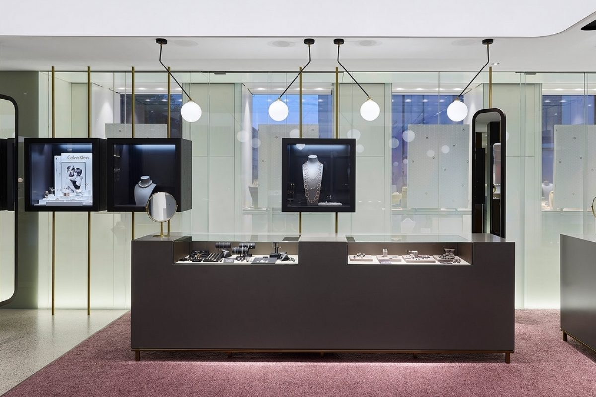 Hunke brings together jewelery and optics in an incredible space designed by Ippolito Fleitz Group