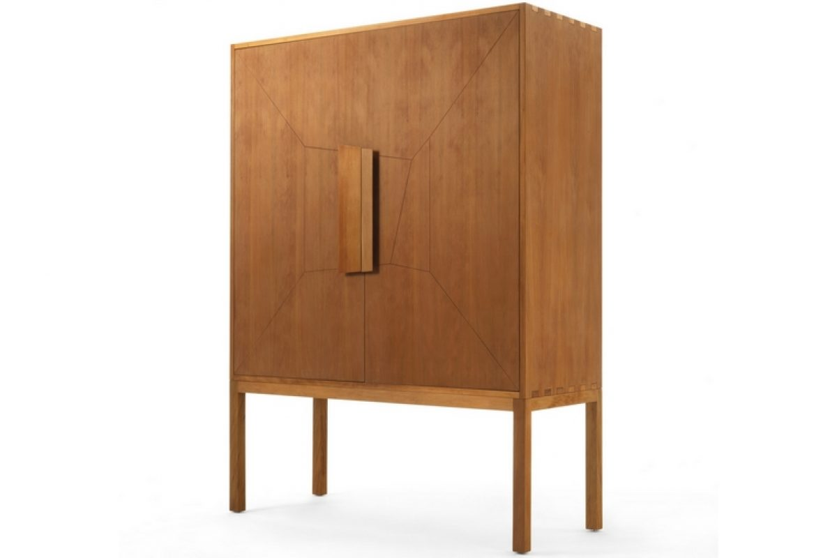 Consentino and Riva 1920 present DeKauri, the wooden bathroom vanity designed by Daniel Germani inspired by the traditional Italian credenza