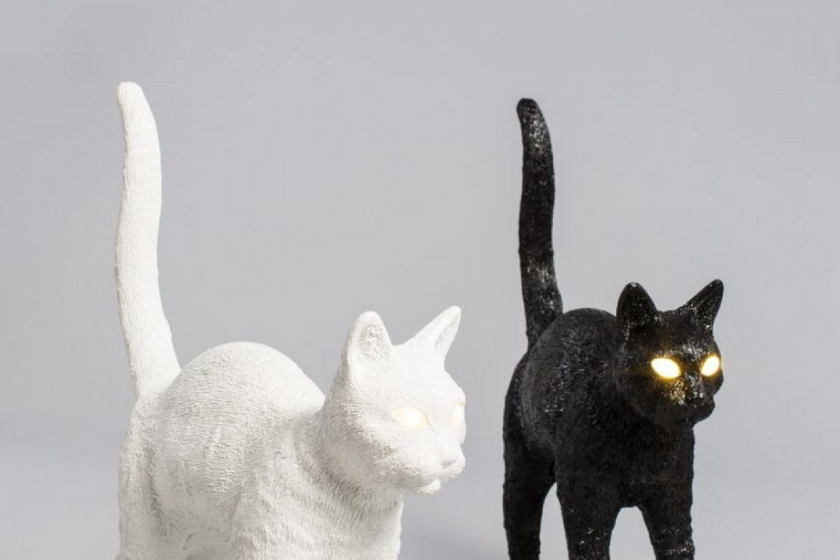 Discover Felix: the new «catlike» lamp designed by Studio Job for Seletti