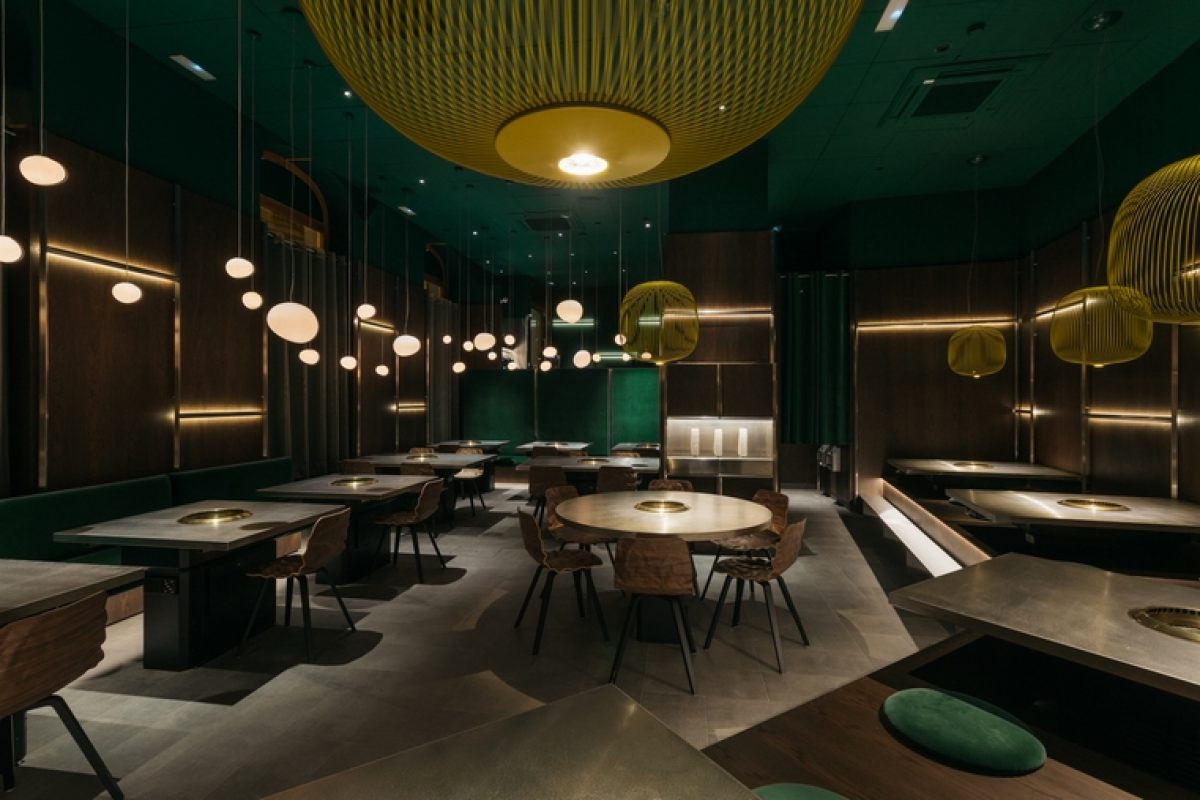 Stone Designs designed the Yakiniku Rikyu restaurant: Japanese flavors in the center of Madrid