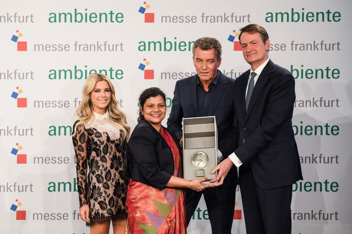 India received the guest country globe from The Netherlands and becomes the new country invited to exhibit at the Ambiente fair 2019