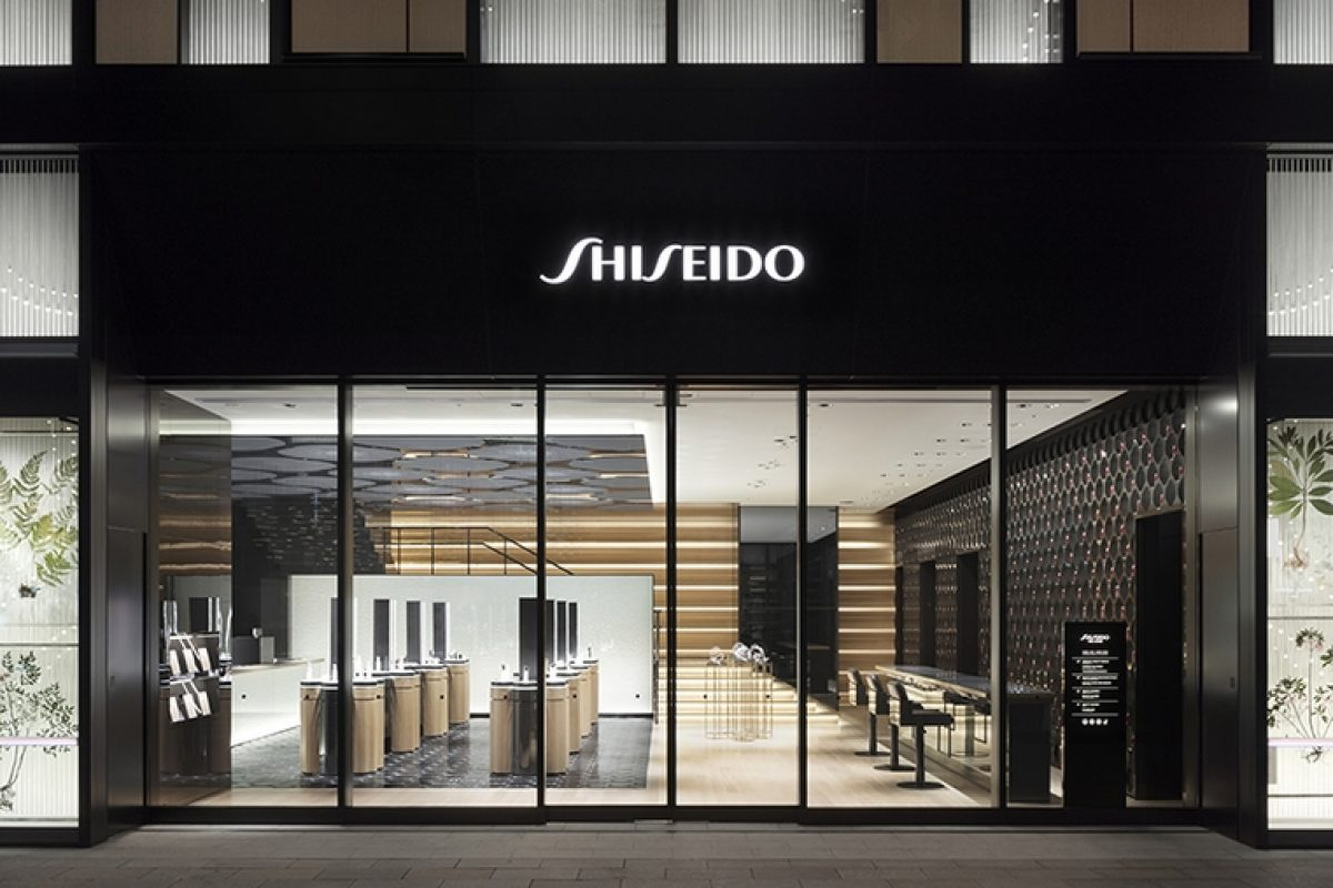 Nendo integrates the elements of construction and makeup to renovate the Shiseido store in Ginza