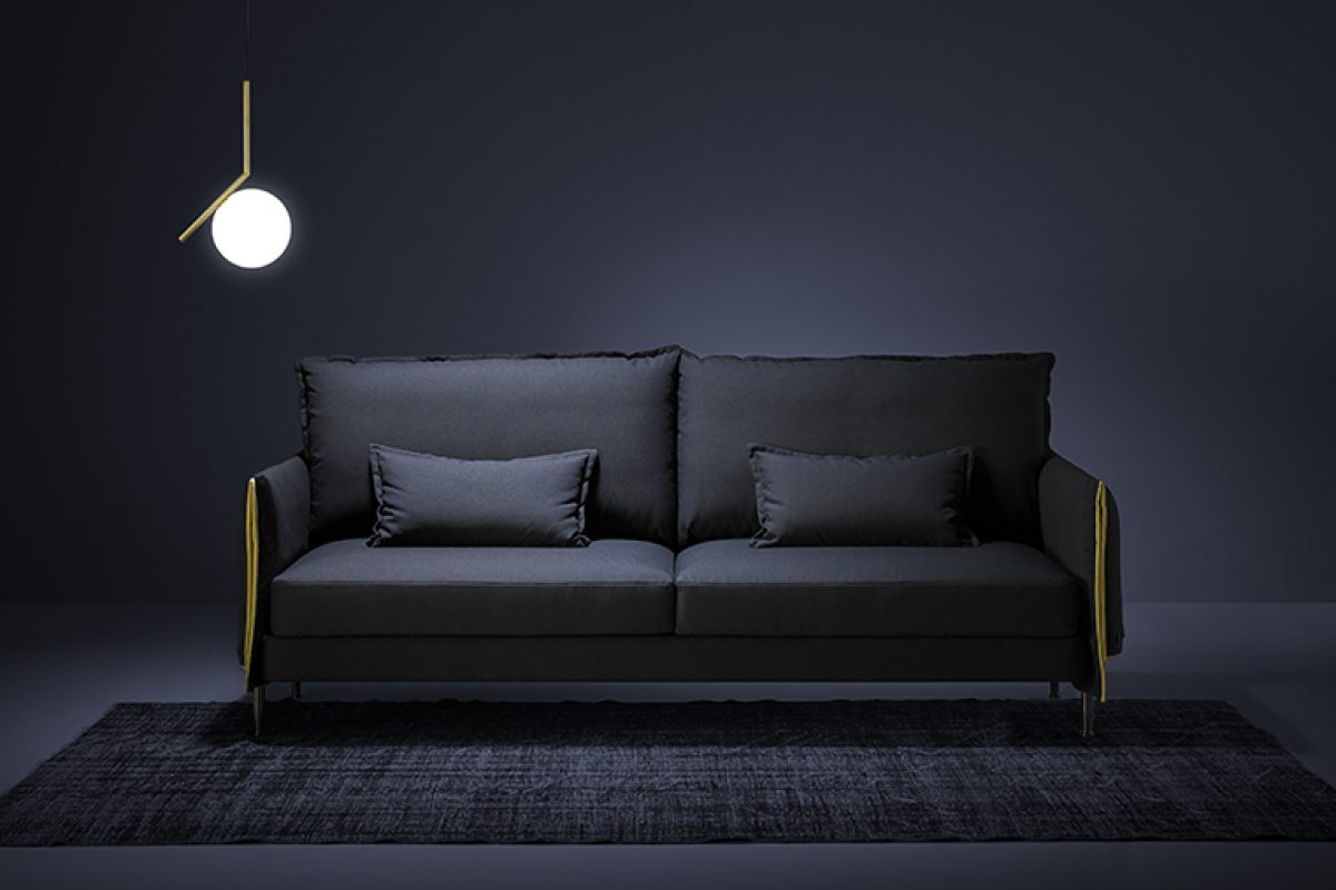 Hardy sofa by Estudi{h}ac for Blasco&Vila, or what we would literally call «dressing a sofa»