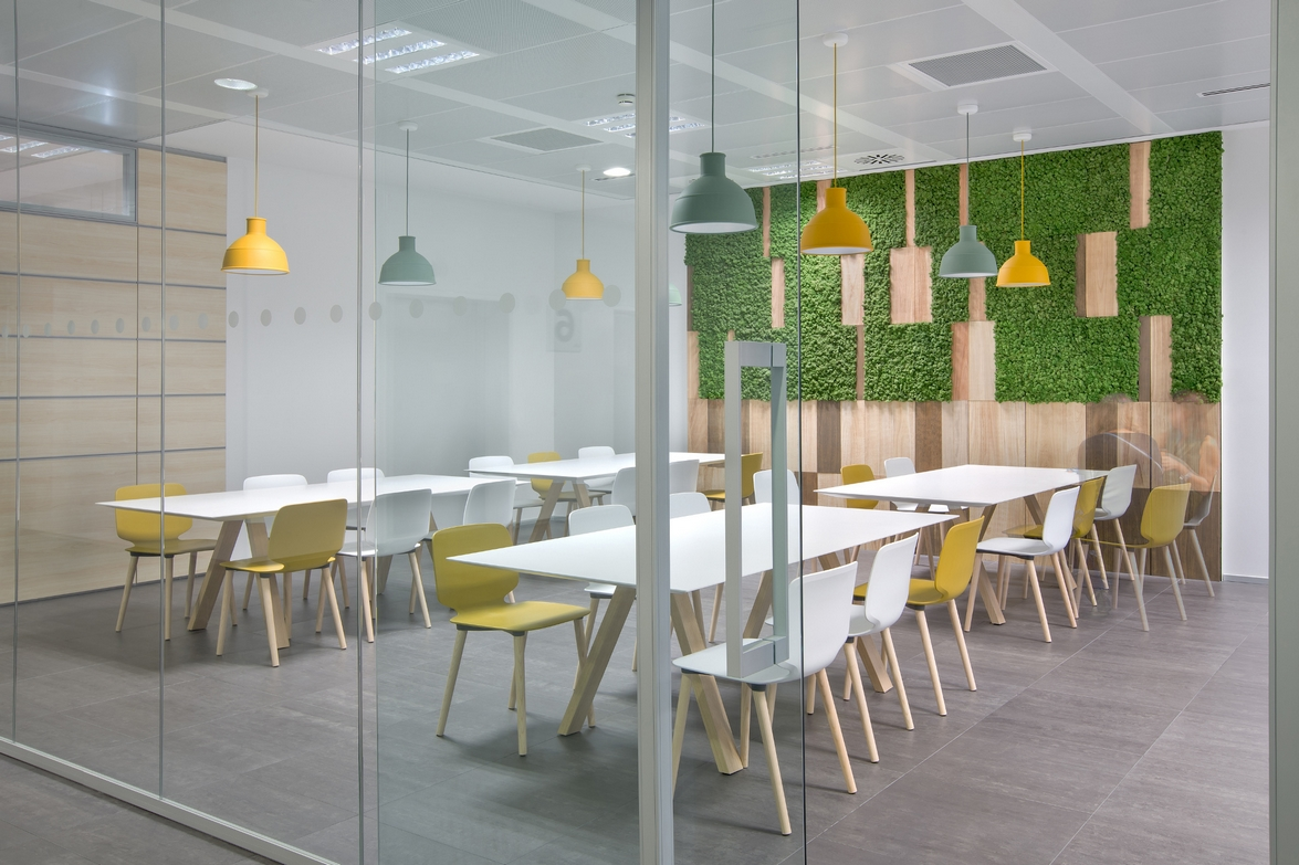 Lombardini22 chooses Pedrali to design the Sky's new offices