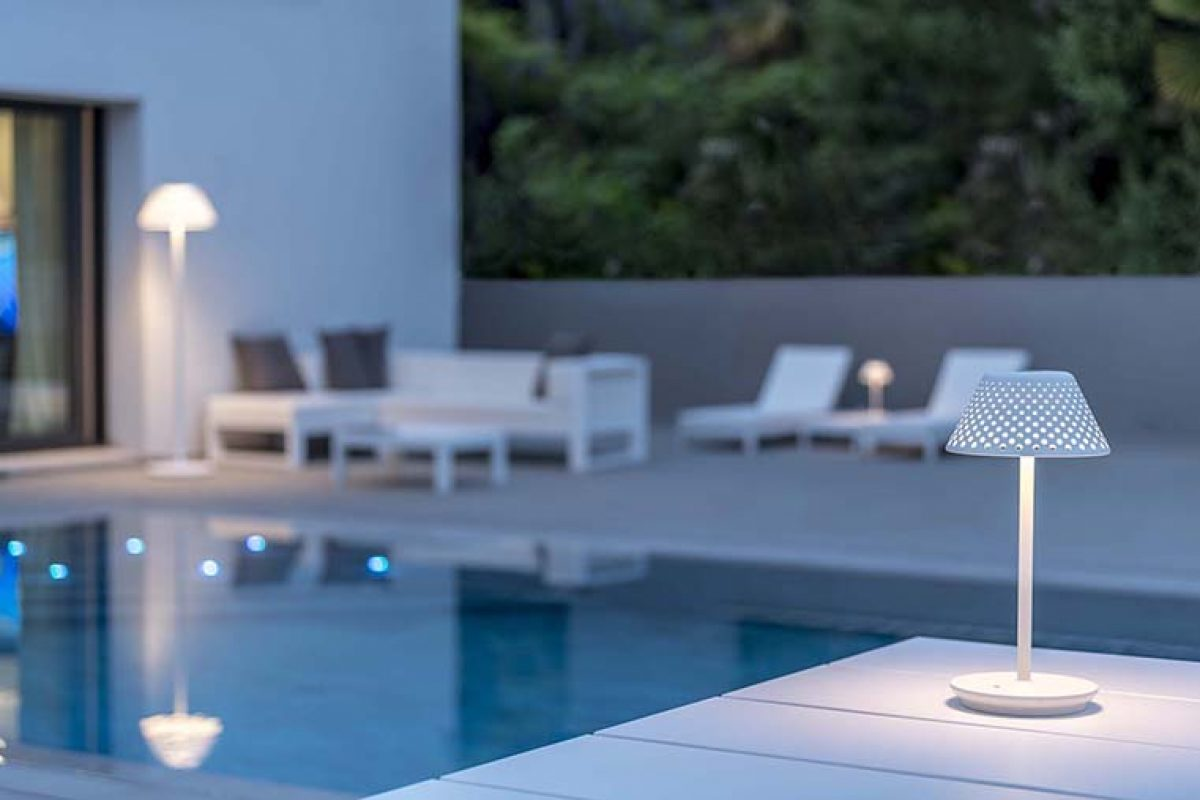 Illuminating summer in simple ways. The versatile outdoor proposals by Platek