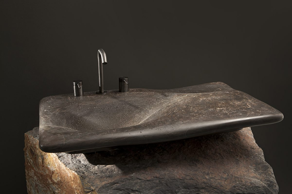 Essence, Flow and Erosion. Back to the origin in the three natural stone sinks designed by Miguel Herranz for Nerinea