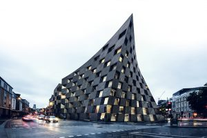 This is the project of Spanish studio AQSO arquitectos for the Shoreditch Hotel. The iconic reference to East London