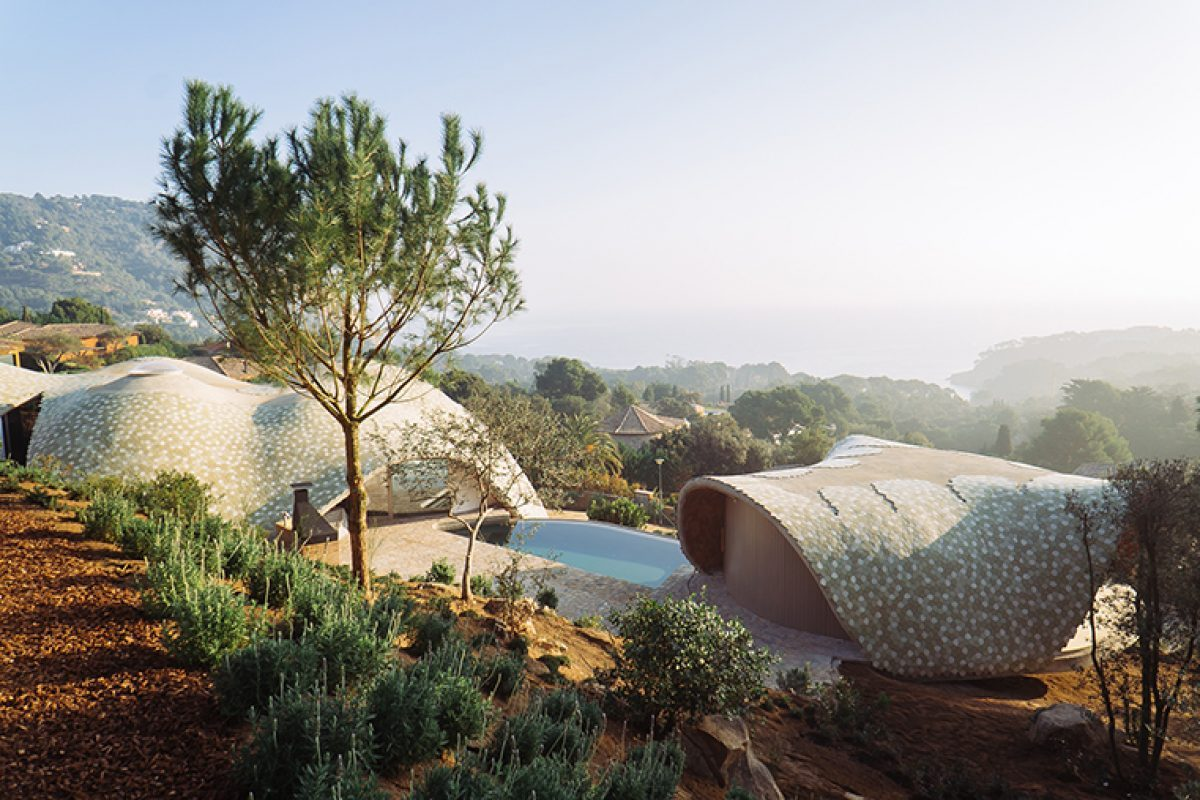 'Smart' Mediterranean architecture. The innovative pilot housing project by Enric Ruiz-Geli / Cloud 9