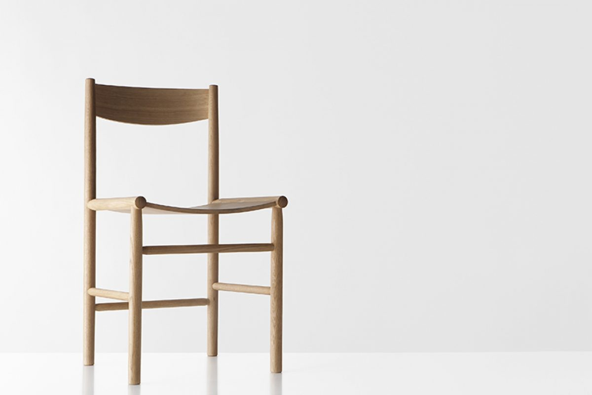 If you mix Finnish chair manufacturing heritage, Shaker style and Japanese tradition, you get Akademia, the latest by Nikari