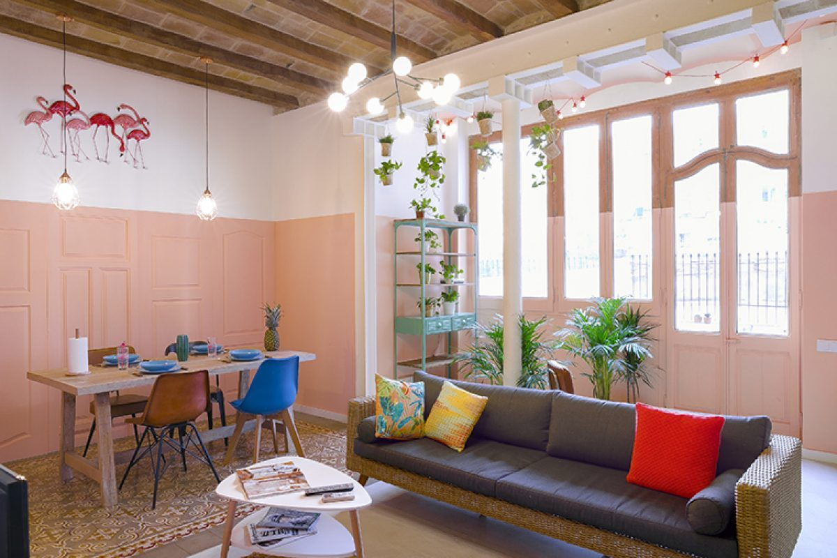 Spring is coming… apartament. ERA Architects recreates a sunny spring day