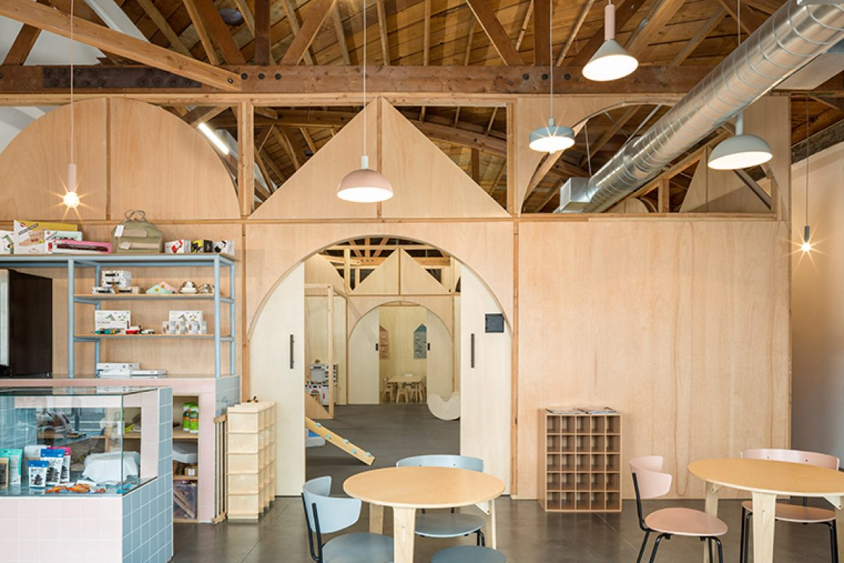Zooco designed Big & Tiny in Santa Monica (California). A space for both parents and kids