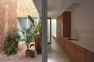 Integral reform of old town house by Horma Estudio, in which the patio becomes the main element
