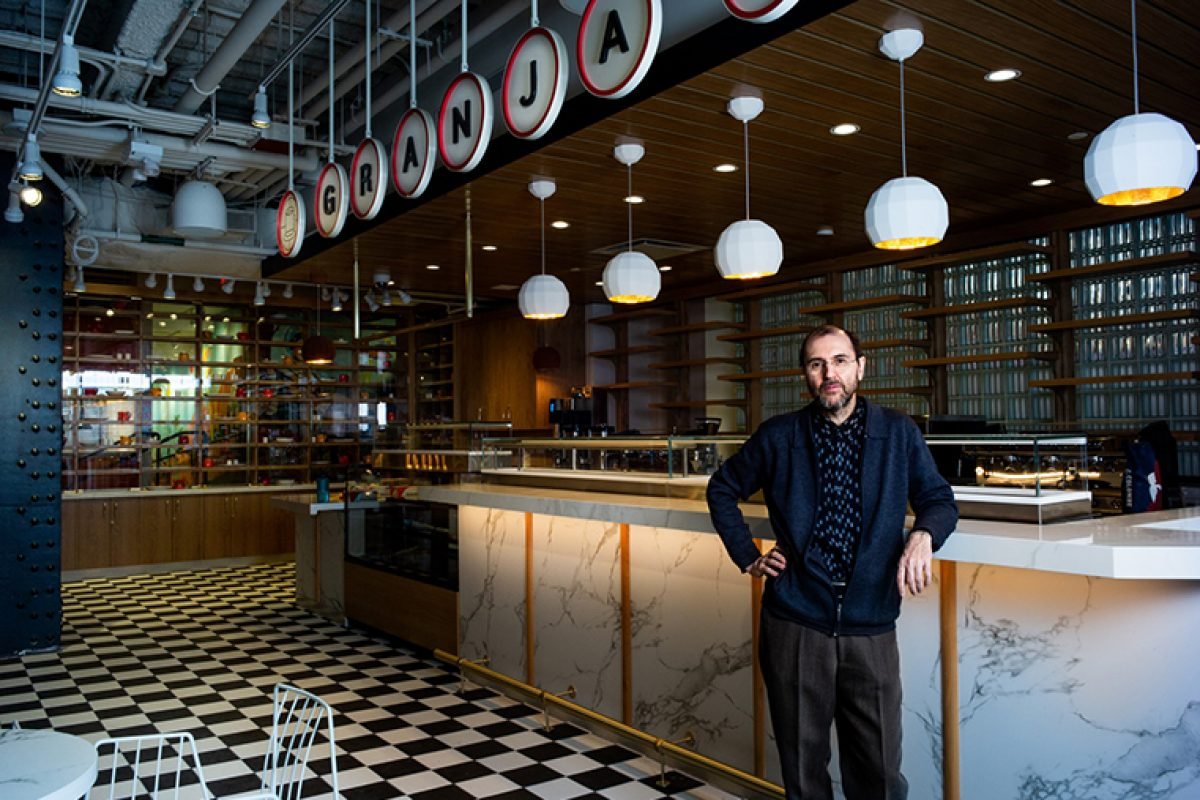 Cosentino in Mercado Little Spain, the restaurant flavored with José Andrés and the Adriá brothers designed by Juli Capella