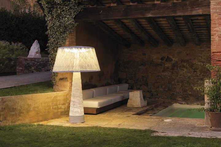 Vibia, your partner in the garden. Lights bringing style to outdoor spaces