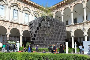 Komodo EcoWall, the modular partition designed by Raffaello Galiotto for Nardi with used plastic