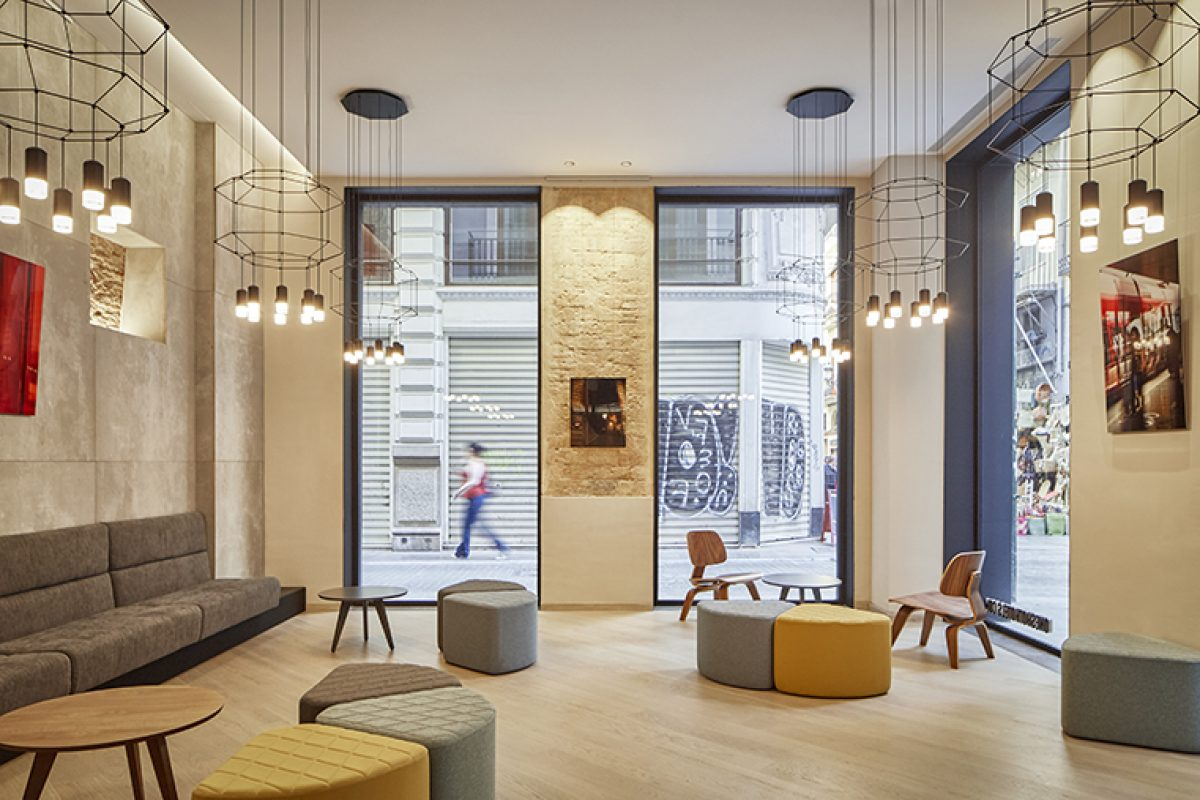Nonna Design developed the tailor furniture for the Mercat 09 Boutique Hotel in Valencia