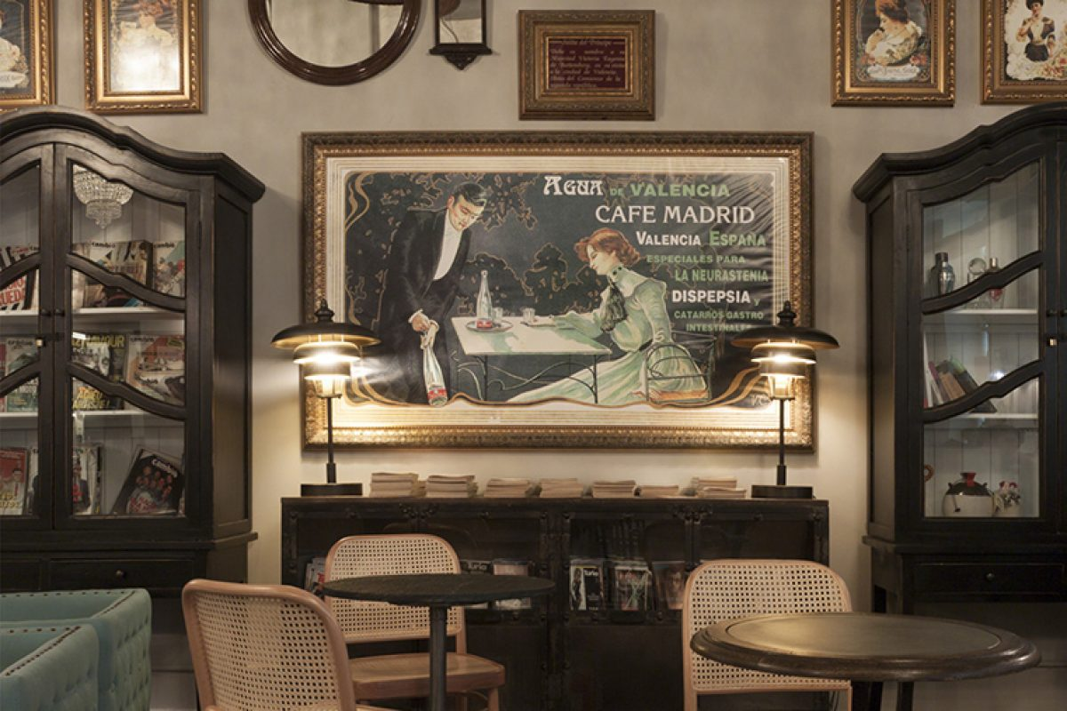 The historical Café Madrid in Valencia dresses new and elegant thanks to H Up Interiorismo + Diseño and Vical