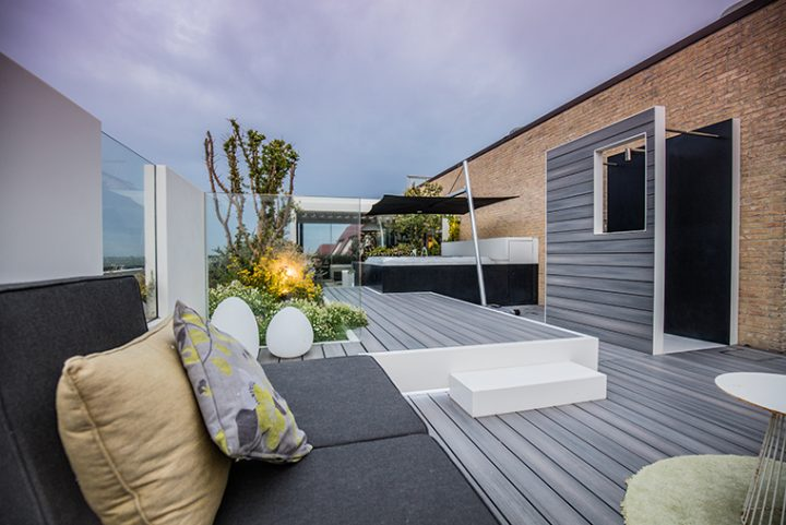 Atelier Artisjok designed a penthouse in the Belgian coast with a spacious terrace with HI-MACS®