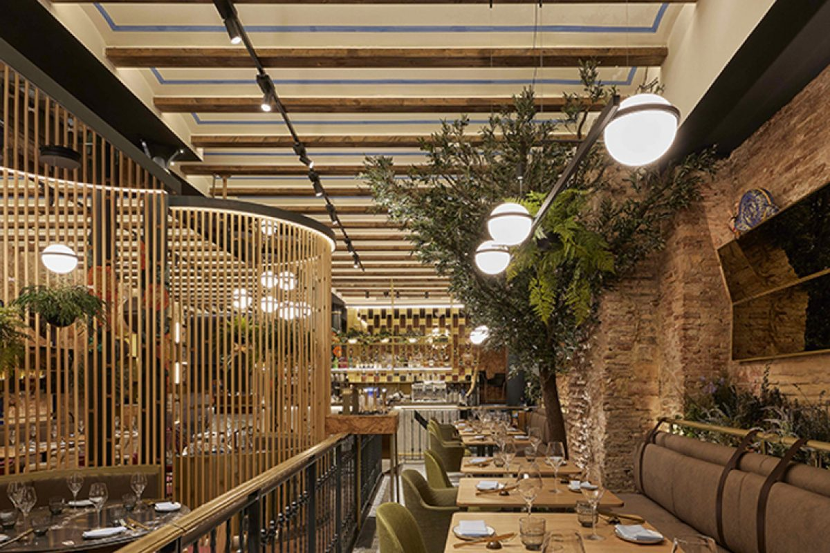 Janfri & Ranchal studio chooses Vibia to light the Vaqueta Gastro Mercat in Valencia