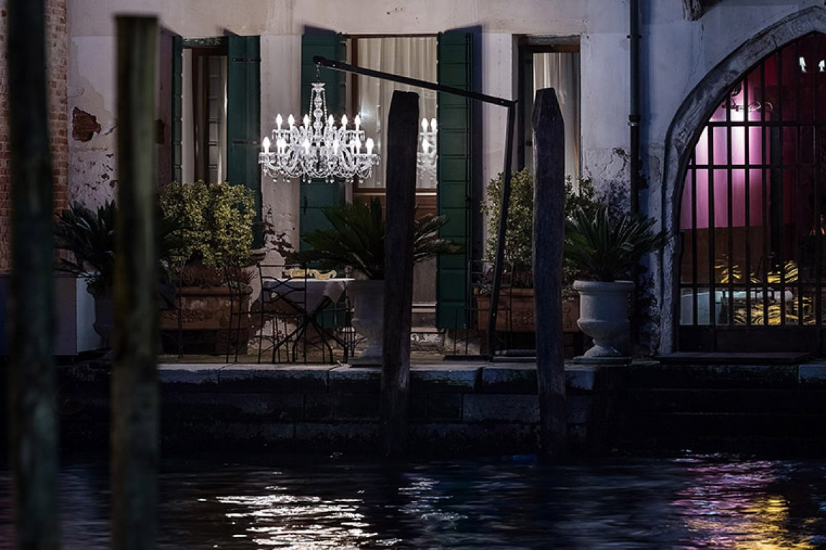 Drylight® by Masiero, the outdoor chandelier. A Venice mood in your garden