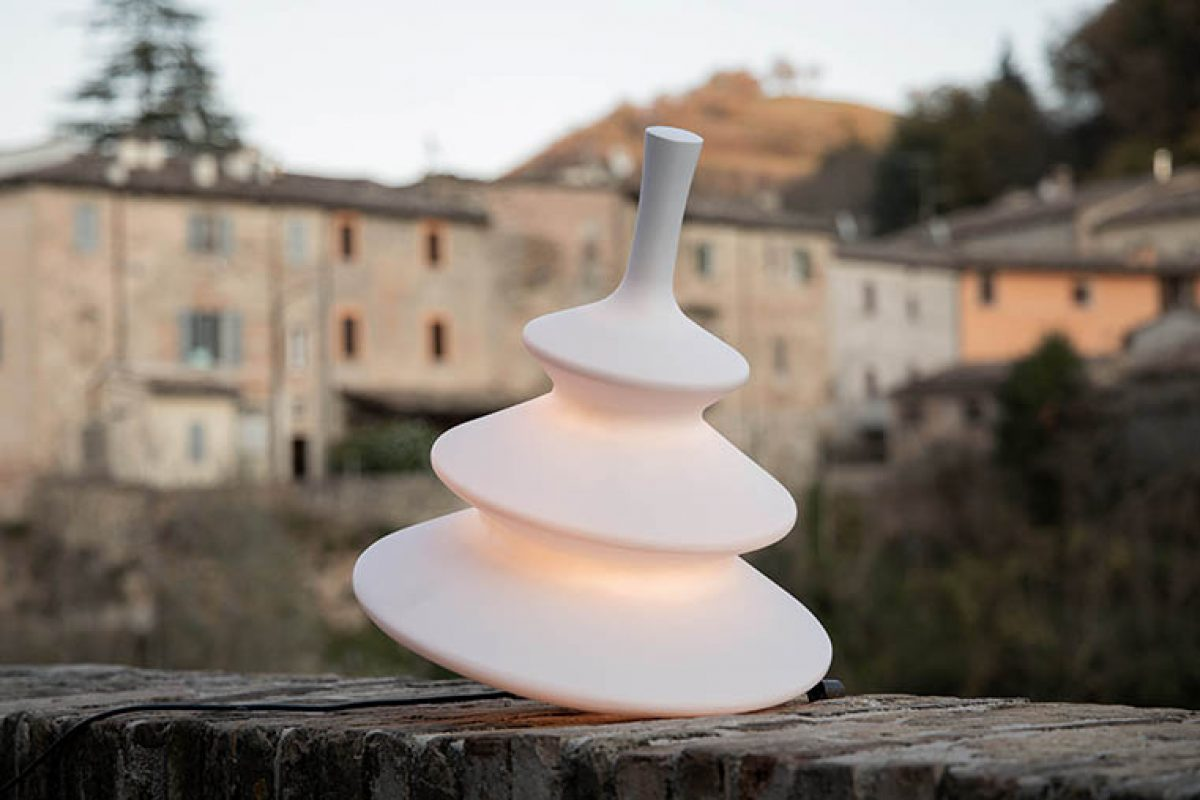 Light + Building 2020 preview: Girotondo outdoor/indoor floor lamp designed by Bizzarri Design Associati for Karman