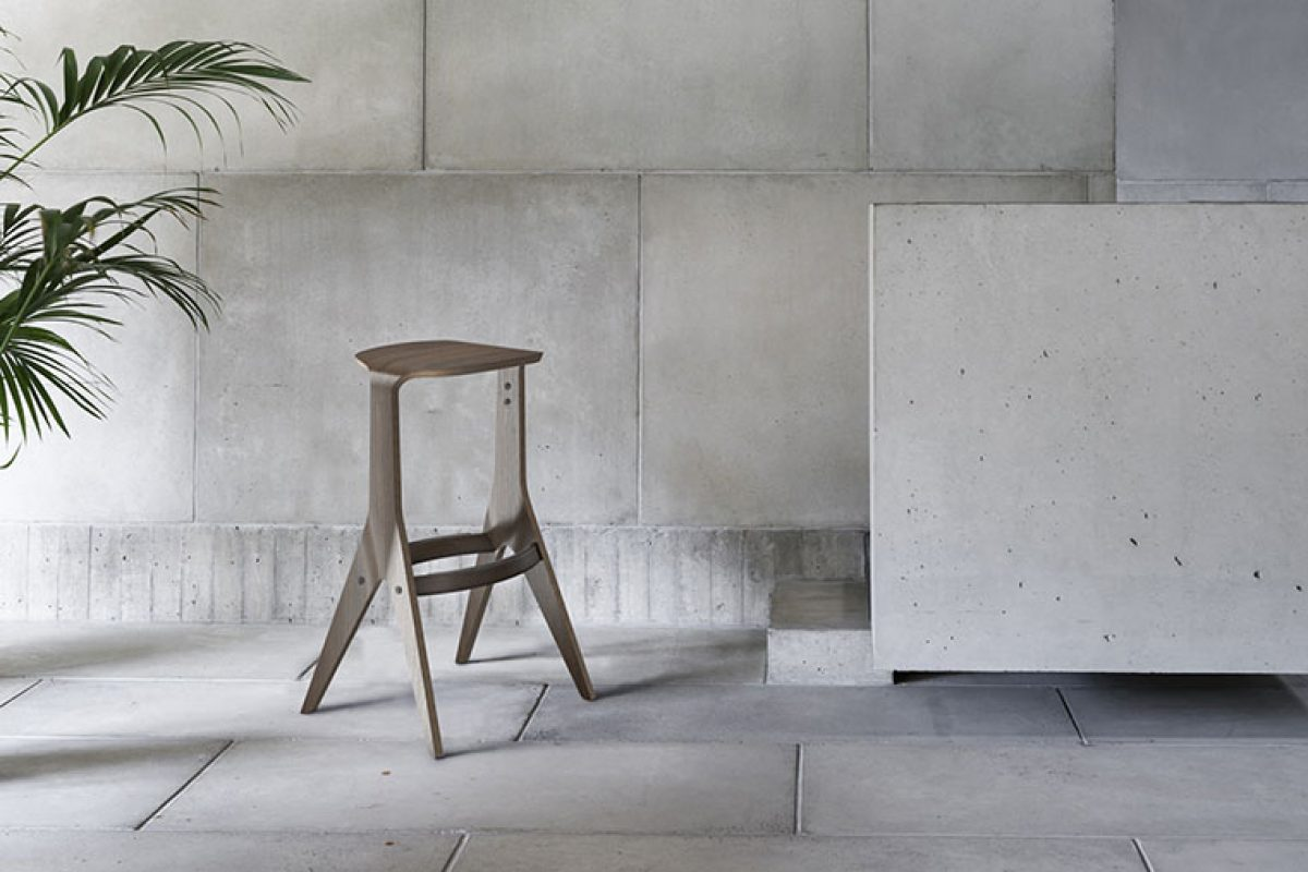 Poiat expands the Lavitta family with an unique bar stool