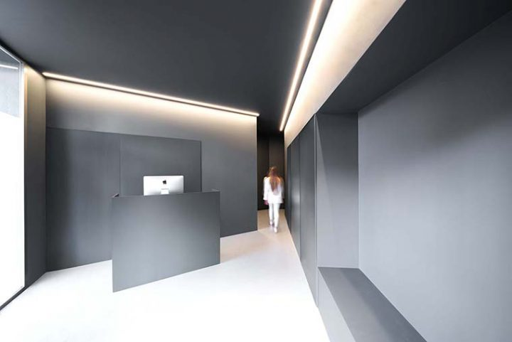 Dental Clinic in Valencia by Fran Silvestre Arquitectos